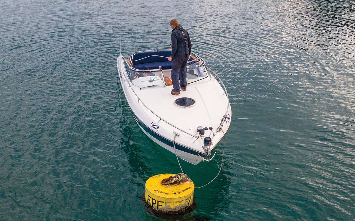 how-to-pick-up-mooring-buoy-solo-bridal