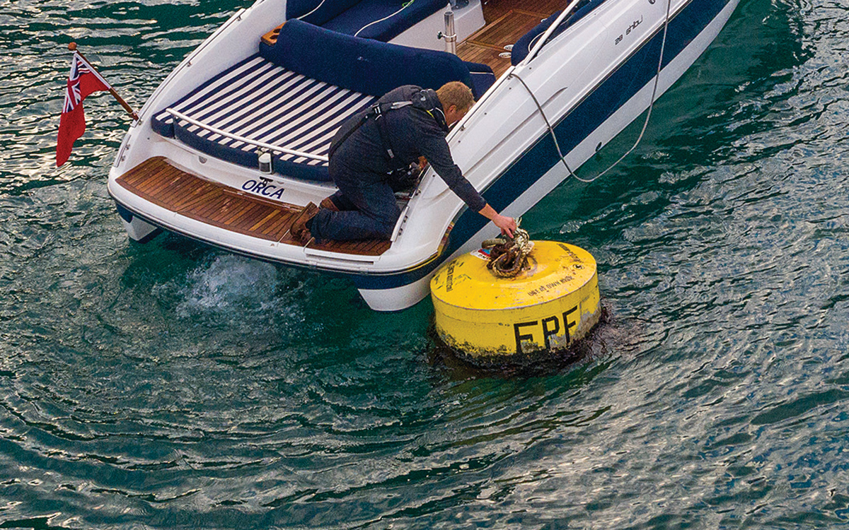 how-to-pick-up-mooring-buoy-solo-video-thread-line