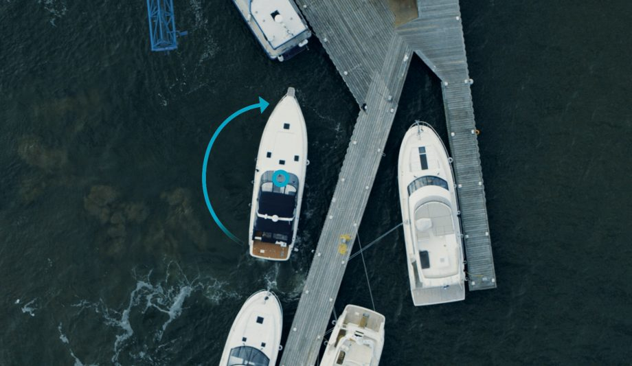 volvo-assisted-docking-aerial-view-demonstration-video