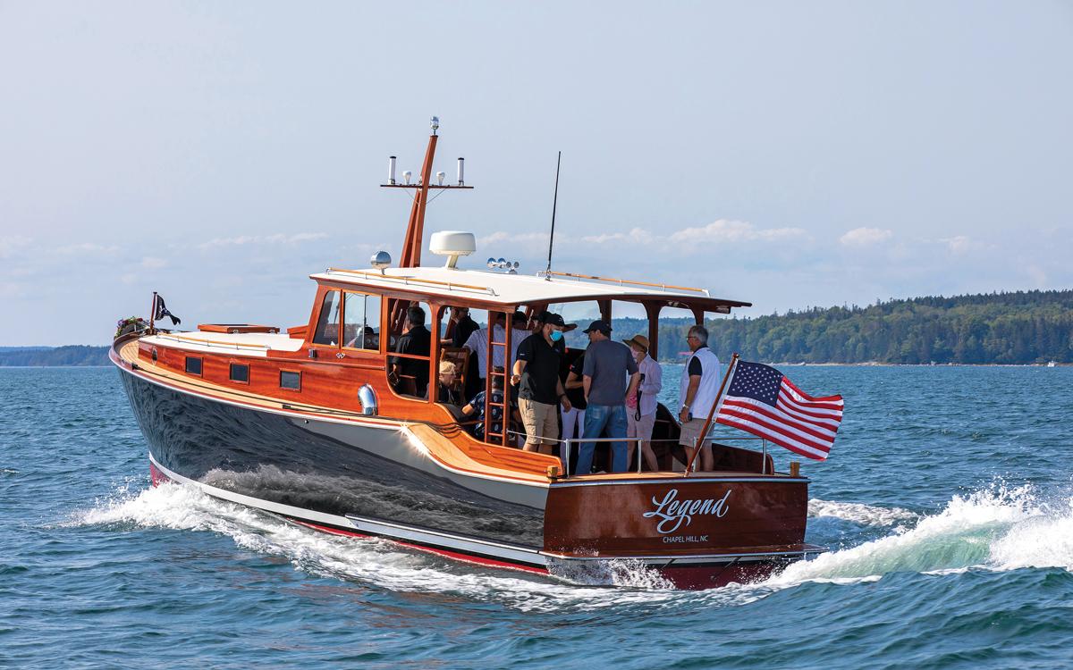 Hemingway-boat-replica-pilar-legend-wheeler-38-aft-running-shot-credit-billy-black-Palm Beach Boat Show