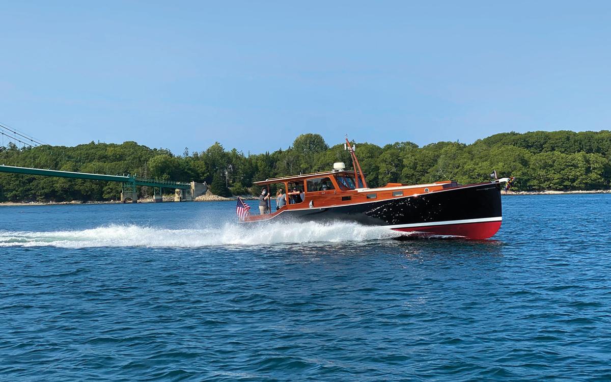 hemingway-boat-replica-pilar-legend-wheeler-38-side-view-running-shot-credit-billy-black