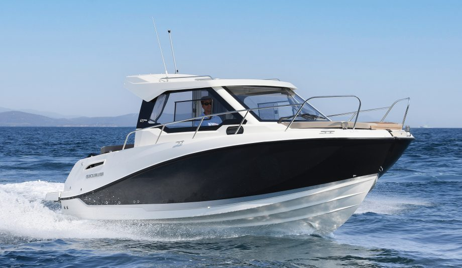 quicksilver-activ-675-weekend-first-look-new-boats-exterior