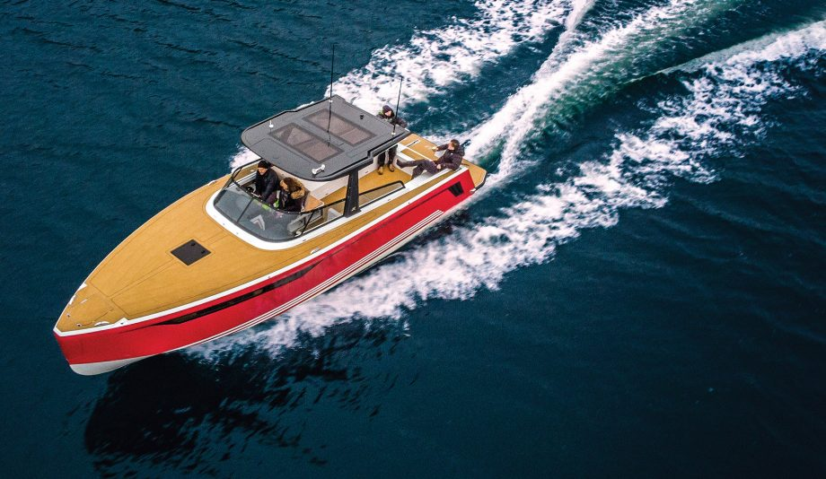 x-power-33c-first-look-new-boats-exterior-aerial-view-hero