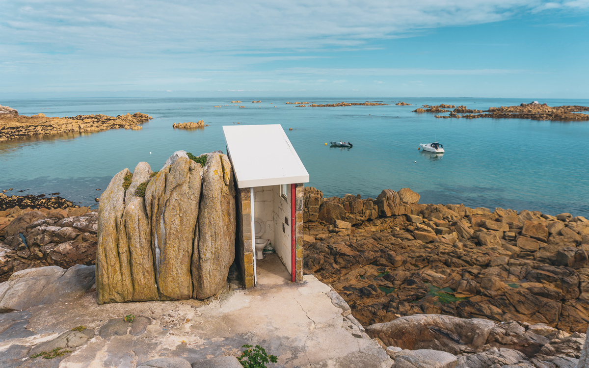 channel-islands-boating-les-minquiers-jersey-credit-victoria-hall
