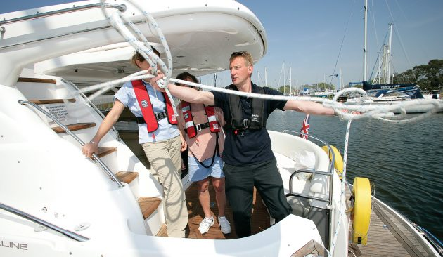 Boat training: Do I need to learn to drive a boat? And what are the options?