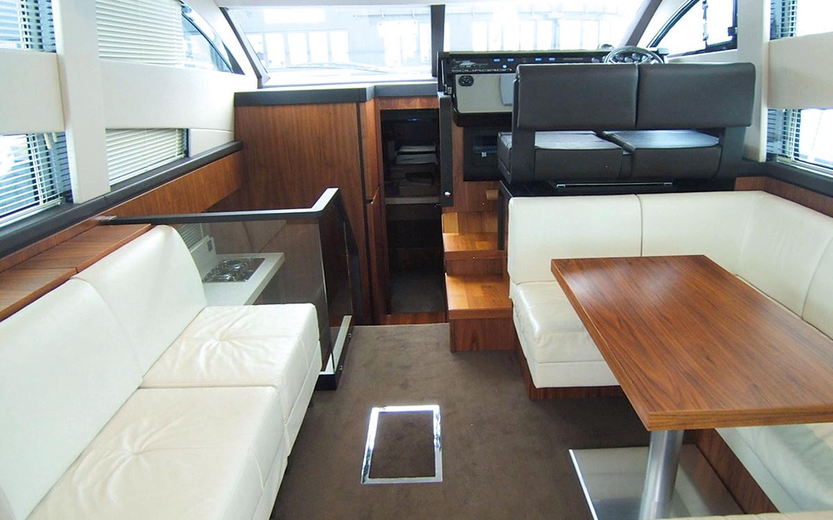 best-40ft-flybridge-yacht-for-sale-fairline-squadron-42-interior