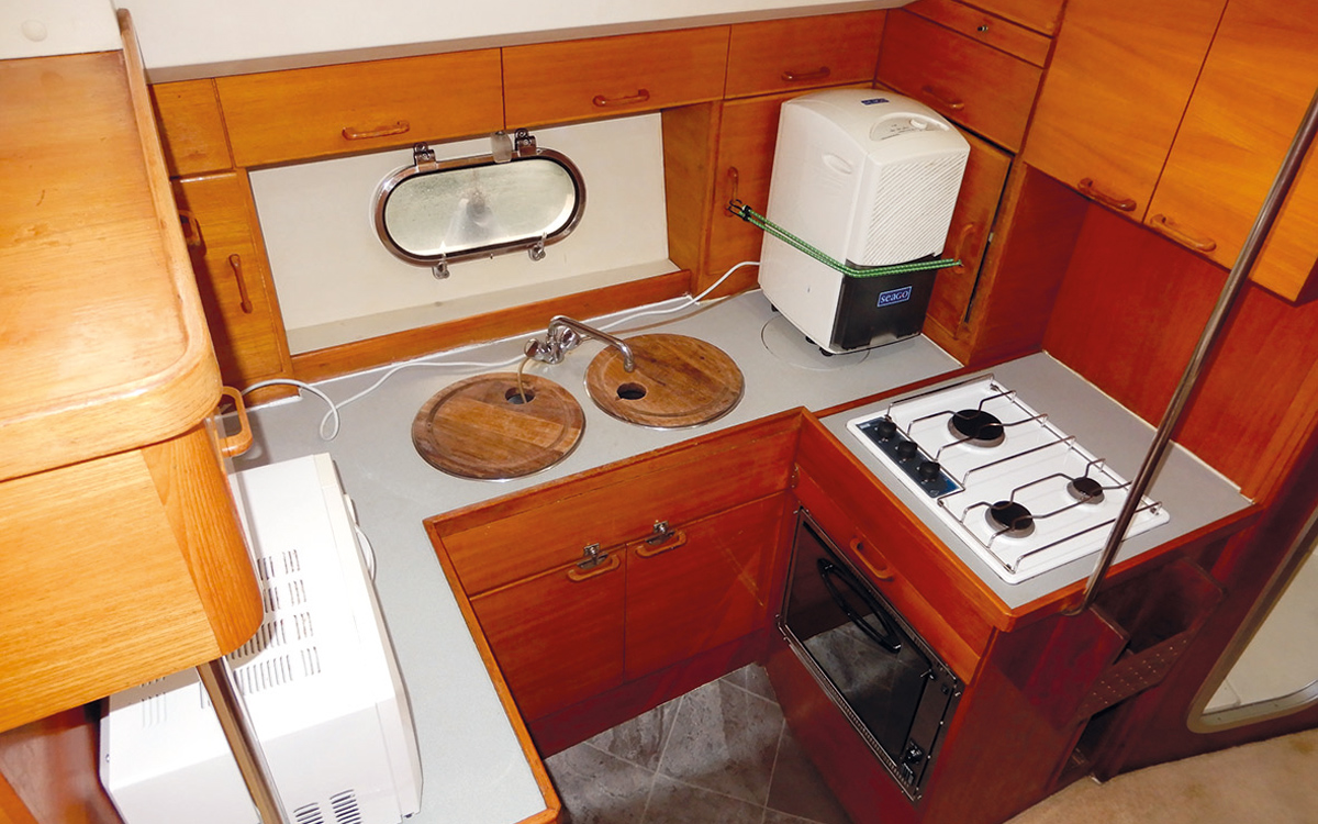 best-40ft-flybridge-yacht-for-sale-princess-388-galley