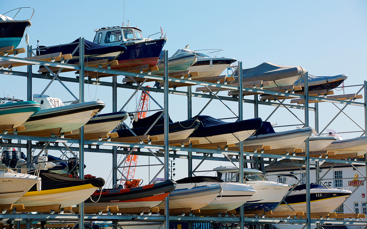 boat-storage-outdoor-dry-stack-credit-alamy