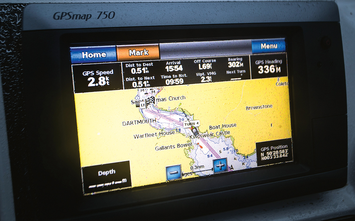 how-to-use-pilotage-skills-to-enter-any-harbour-plotter