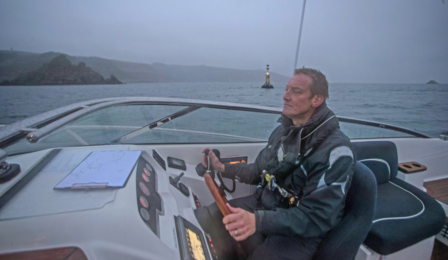 how-to-use-pilotage-skills-to-enter-any-harbour-video