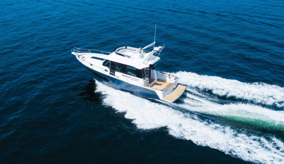 rodman-1290-evolution-new-yachts-first-look-exterior-running-shot