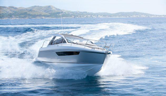 sealine-s330-yacht-tour-video-credit-hanse-yachts-nice-krauss