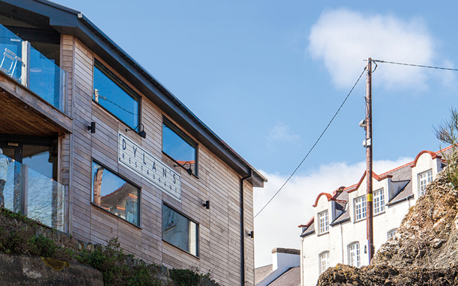 best-seaside-restaurants-dylans-menai-exterior