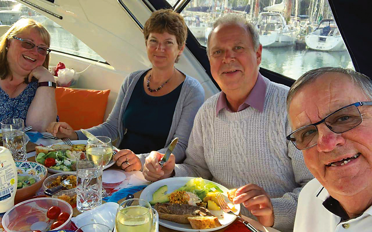 eating-on-board-credit-colin-le-conte-david-corson