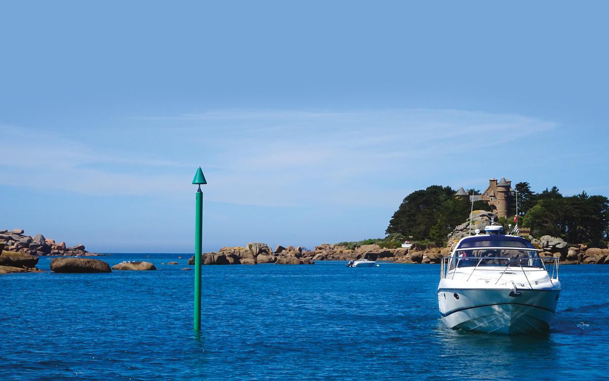 britanny-boating-ploumanach-princess-v42-credit-colin-le-conte-david-corson