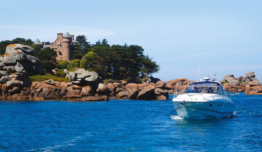 britanny-boating-ploumanach-princess-v42-hero-credit-colin-le-conte-david-corson