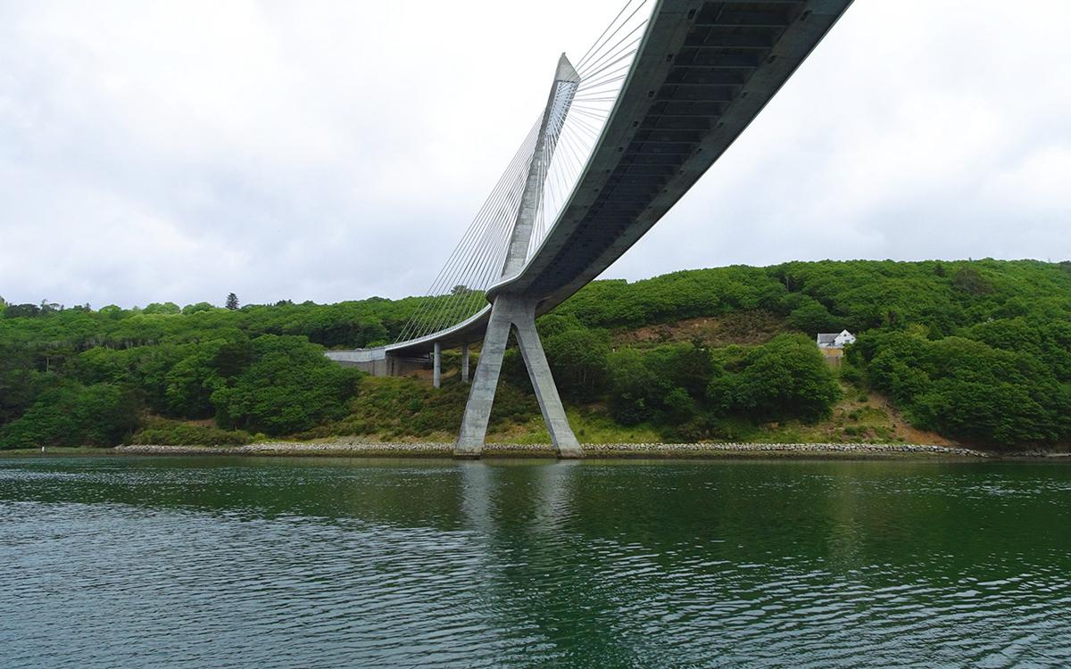 britanny-boating-river-aulne-bridge-credit-colin-le-conte-david-corson