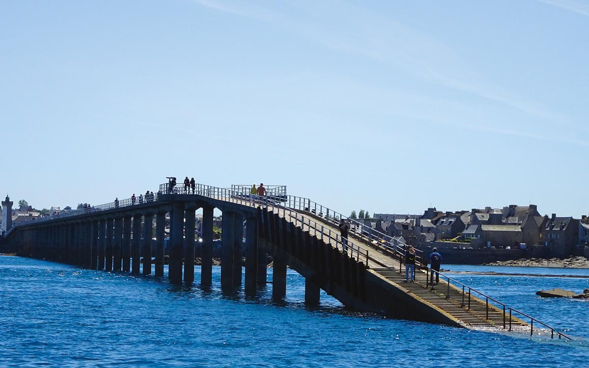 britanny-boating-roscoff-ile-de-batz-ferry-bridge-credit-colin-le-conte-david-corson
