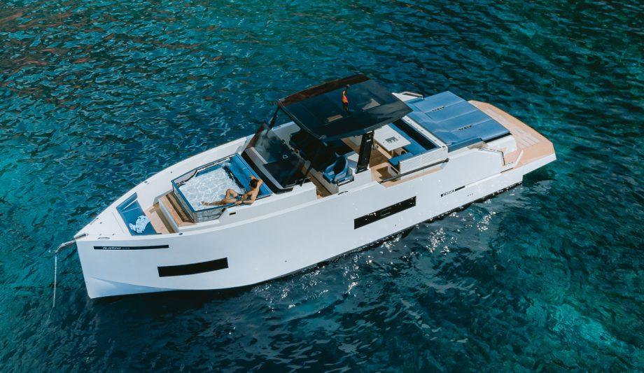 de-antonio-d50-open-hot-tub-hero-first-look-new-boats