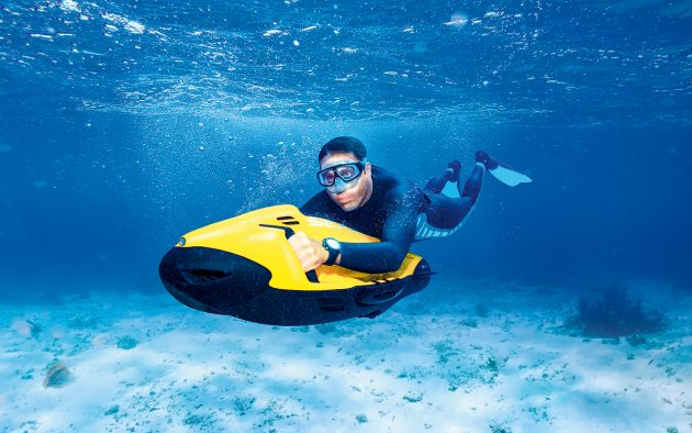 Editors-Choice-SEABOB-F5-SR-best-water-toys-action-credit-Marc Hillesheim