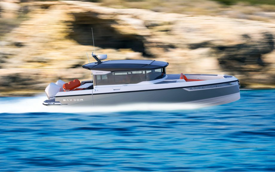 saxdor-320-gtc-first-look-new-boats-running-shot