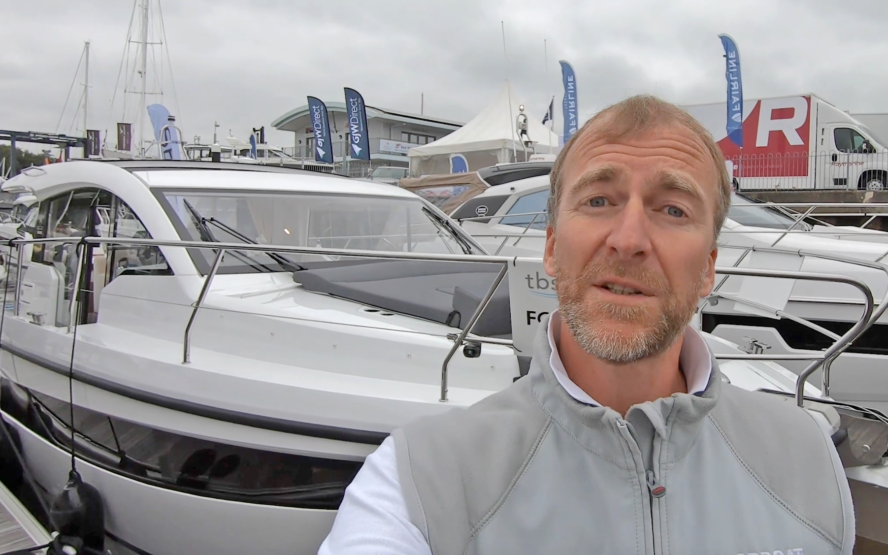 Sealine C335 yacht tour: Ringing the changes on this £266k sportscruiser
