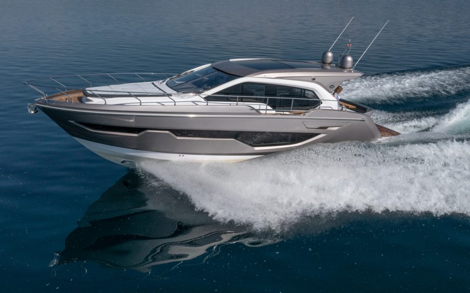 sessa-c47-running-shot-cannes-yachting-festival-2021