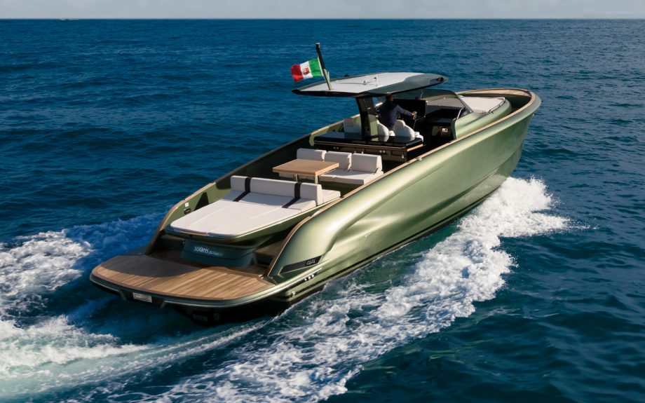 solaris-power-open-44-aft-view-cannes-yachting-festival-2021