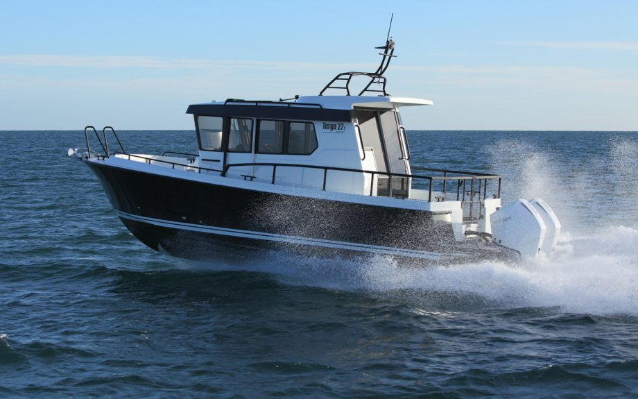 botnia-targa-27-2-running-shot-southampton-boat-show-2021