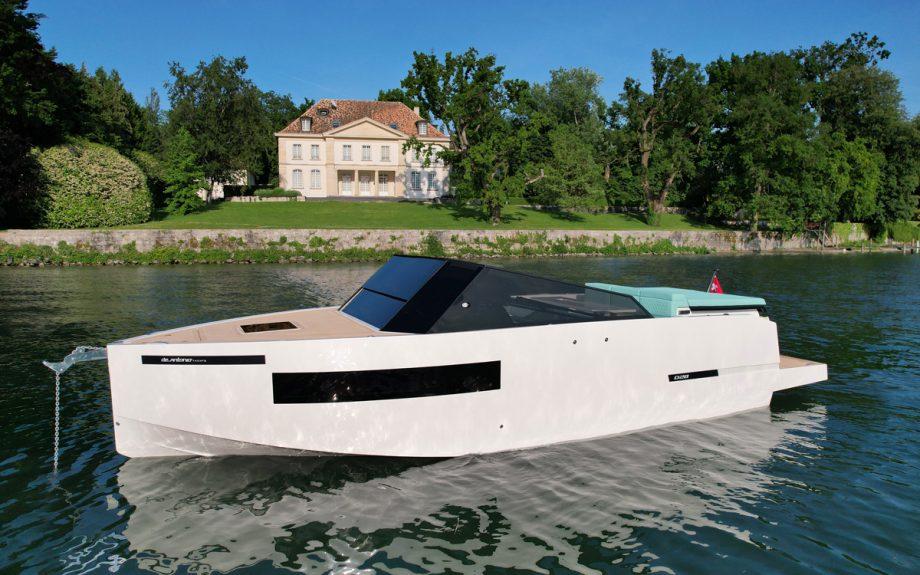 deantonio-d28-anchored-southampton-boat-show-2021