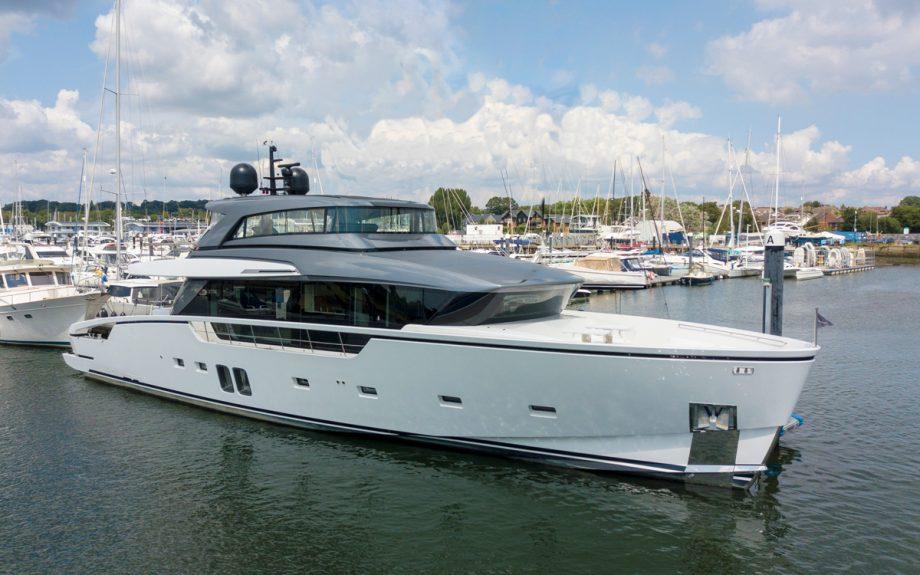 sanlorenzo-sx88-exterior-southampton-boat-show-2021