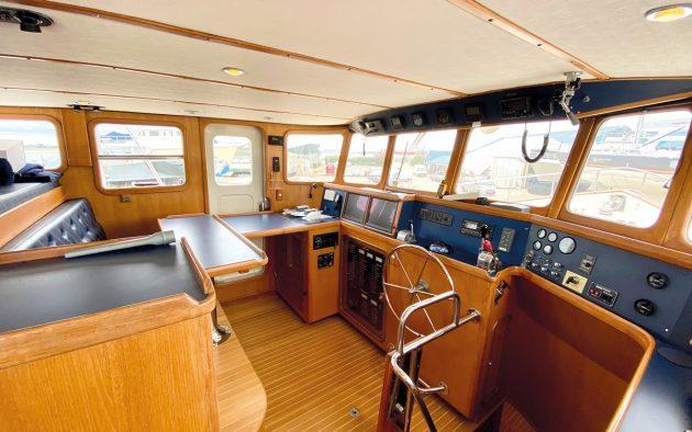 best-liveaboard-boats-nordhavn-46-wheelhouse