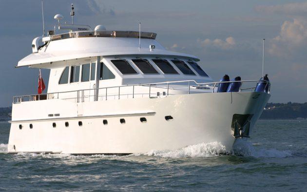 best-liveaboard-boats-triqual-65-exterior