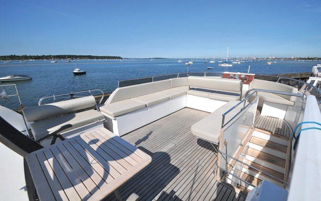 best-liveaboard-boats-triqual-65-flybridge