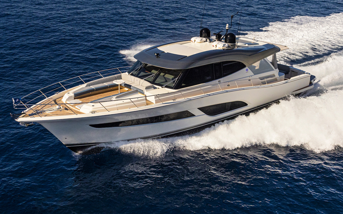Riviera-645-SUV-first-look-fort-lauderdale-international-boat-show-2021