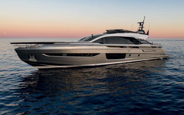 azimut-grande-s10-yacht-tour-aquaholic