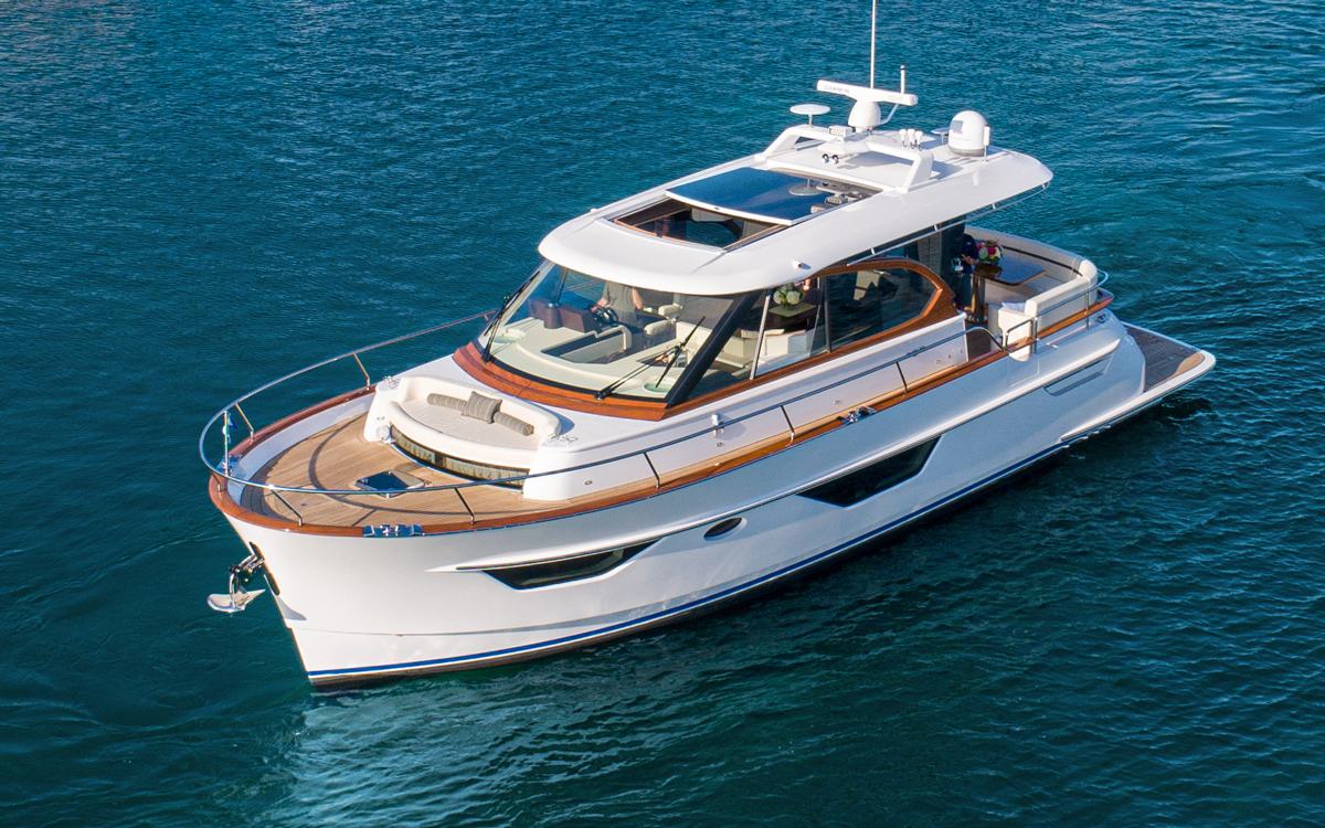 burger-50-cruiser-first-look-fort-lauderdale-boat-show-2021