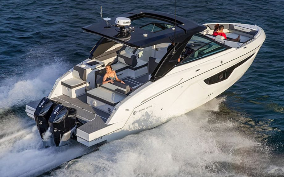 cruisers-34gls-first-look-fort-lauderdale-boat-show-2021