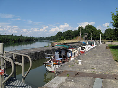 French canal - photo Richard Hare