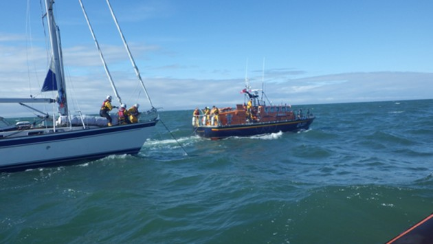 Poolelifeboat_yacht_Credit_Poole RNLI