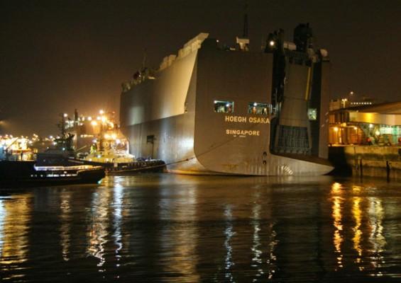 Hoegh Osaka in port.