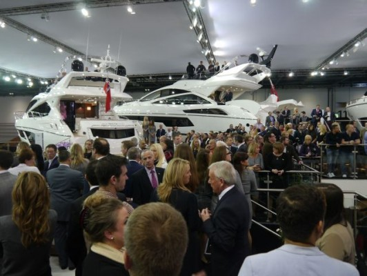 London Boat Show 2015-the crowd waiting for Nicole Scherzinger at the Sunseeker International stand
