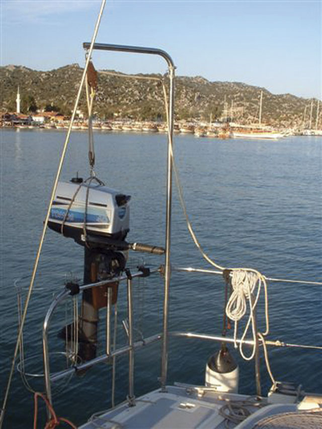 Make An Outboard Motor Hoist Practical Boat Owner