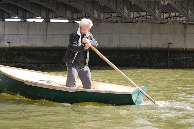 Sculling over the stern - Practical Boat Owner