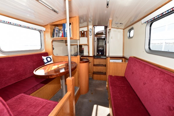 Tug Yacht 33 - Backrest to starboard lifts to create two Pullman berths