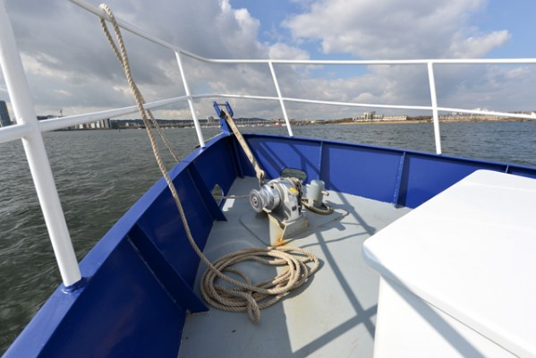 Tug Yacht 33 - Manual winch over electric is a deliberate owner choice