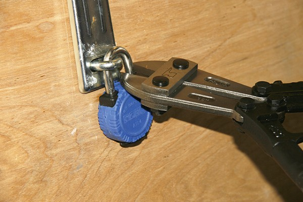 Squire Rustproof Lock ATL4S_Much effort was needed with the bolt croppers