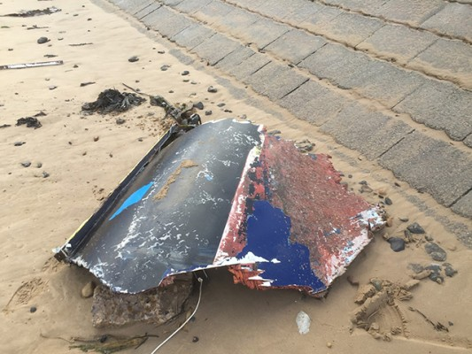 Yacht wreckage at Redcar