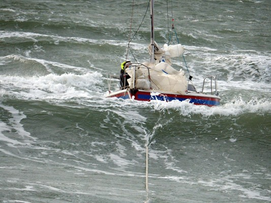 White Osbeat under tow. Credit: RNLI/Richard Heming