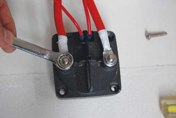 the elderly vetus battery switch on my boat had become unreliable –  especially the 'make before break' aspect of it, which had begun to lose  connection as
